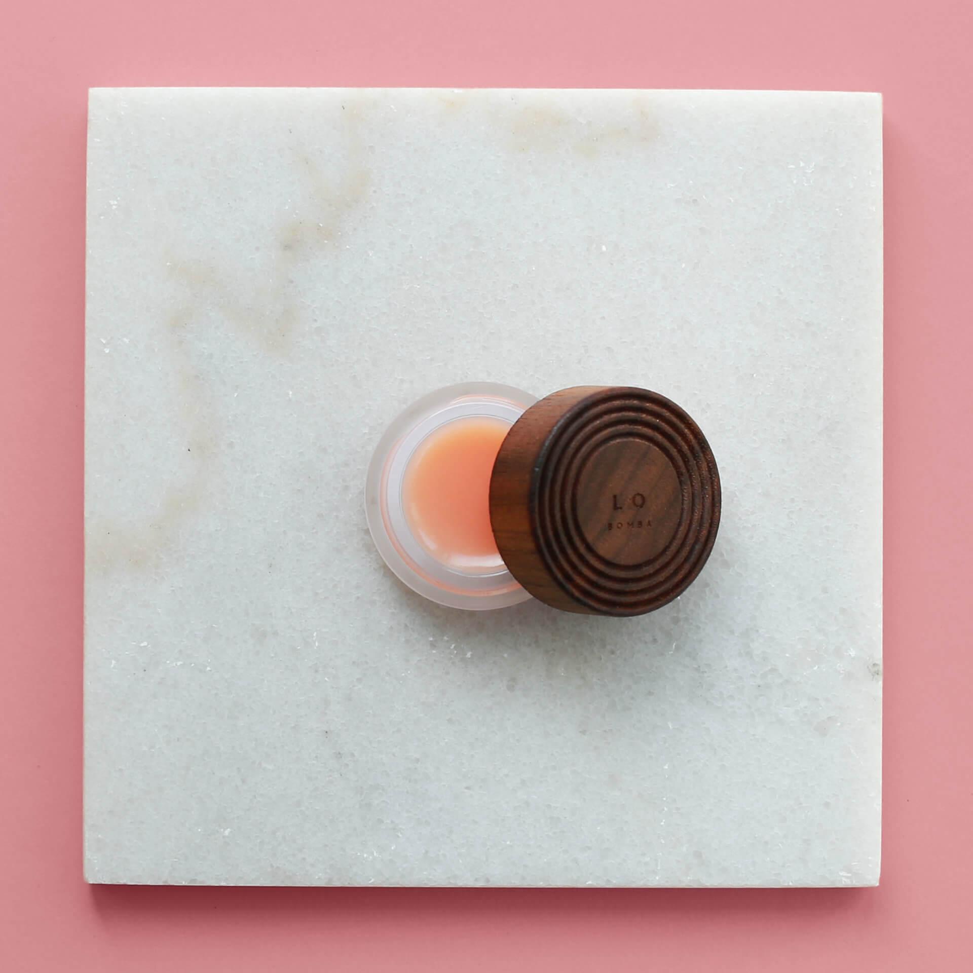 LO Amsterdam Bomba plastic-free natural lip balm